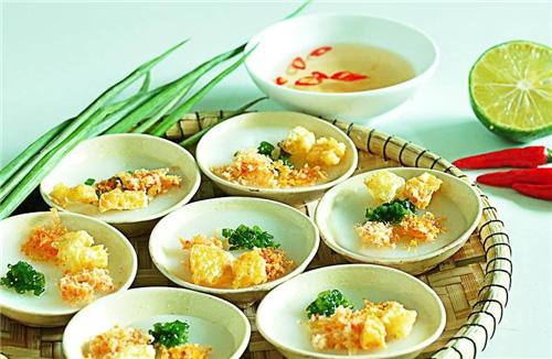 2 Món ăn miền Trung: Bánh bột lọc lá chuối, bánh bèo Huế, bánh bèo Đức Phổ