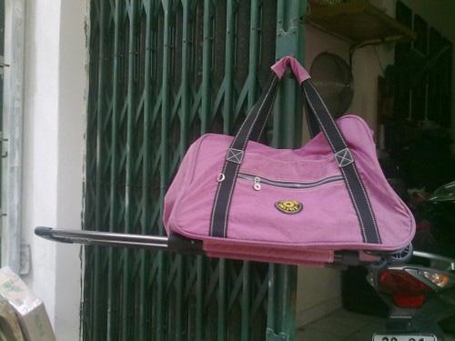 6 Thanh lý valy kéo, balo lap, túi đựng ipad tồn kho giá rẻ